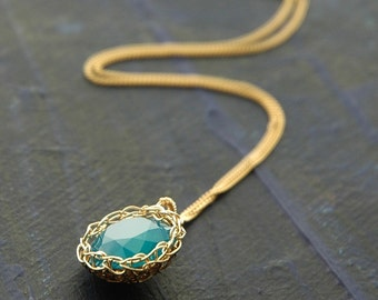 Swarovski crystal necklace , turquoise Pendant necklace, gold wire crochet pendant