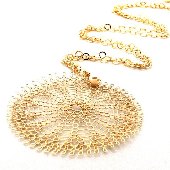 PEARL - XL Gold knitted Sunflower necklace with a little  pearl - 2.5 inch wire crochet necklace, gold pendant necklace, modern necklace