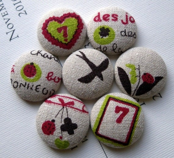 Big Fabric Magnets - Feeling Lucky - bird, ladybug, heart and more mix in round tin