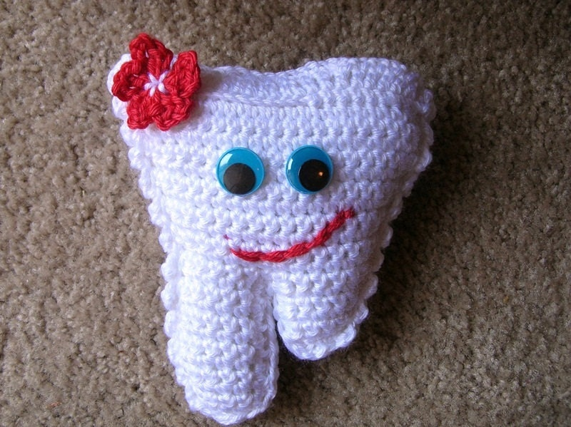 INSTANT Download PDF pATTERN FOR crochet Tooth Fairy Pillow.