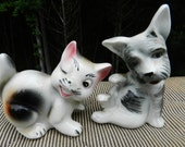 Funky vintage 50s kitchen salt pepper shakers dog  pussy cat puppy kitten collectible kitty playful pose