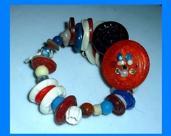 Patriotic Red White and Blue Vintage Buttons on Memory Wire Bracelet