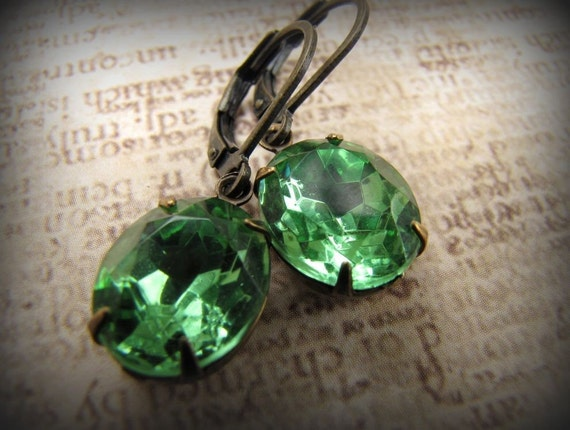 Glam Allure... Peridot... vintage jewel earrings