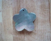 Flower shaped Mother of Pearl Pendant
