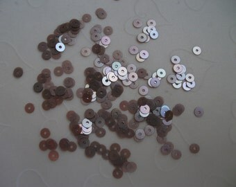 7g of 4 mm Flat Round Sequins in Satin Chocolate Flax Seed Color