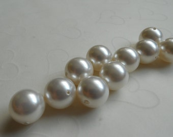 10 pieces of Swarovski Crystal Pearl in WHITE Color -- 12mm