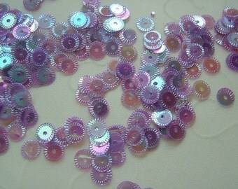 7g of 5 mm Round Wheel Sequins in Iris Lavender Color