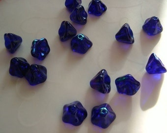 20 pieces of Cobalt AB Czech Glass Trumpet Flowers Beads - 8 x 6 mm
