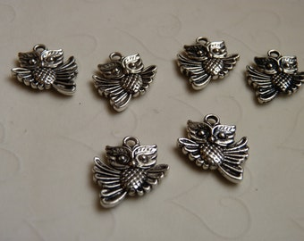 12 pieces of Double Sided Antique Silver Color Owl Charm -- 19x17 mm