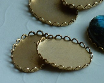 6 pieces of Antique Gold plated Lace Edge Cabochon Settings, fits 25x18 mm oval, Made in USA