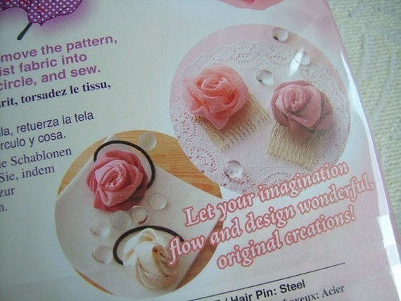 1 pack of CLOVER Sweet Heart Rose Maker -- Large Size