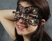 Coquette leather mask in black for eyeglasses