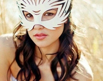 Wildcat Leather mask in white