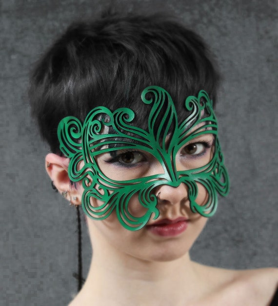 Muse leather mask in bright green
