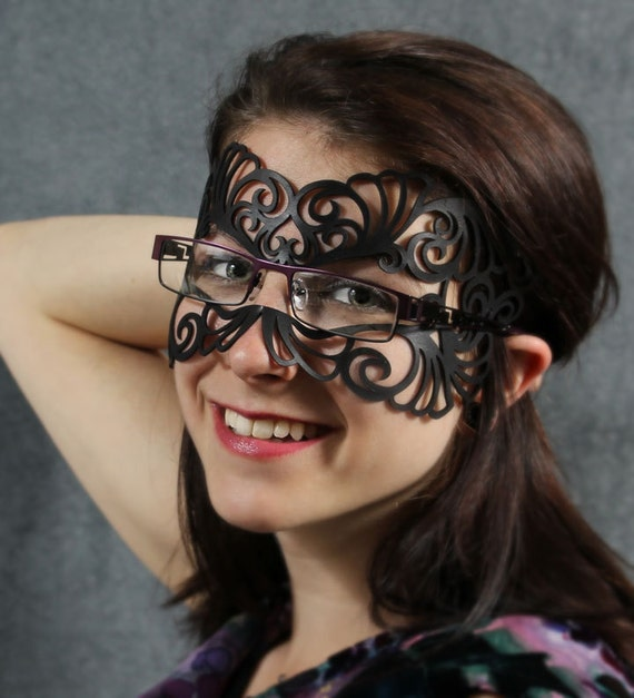 Reservered for thayden - 2 Coquette masks  in black  (1 for eyeglasses) - Express Mail Shipping