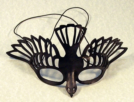 Black bird leather cut out mask