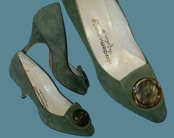 Vintage 60s High Heel Shoes Sage Green Suede 5 B