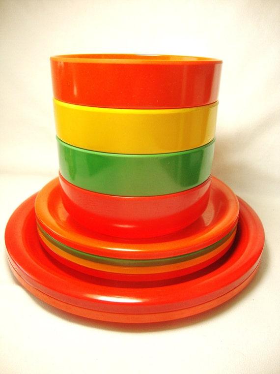 Vintage Ingrid melamine picnic bowls and plates