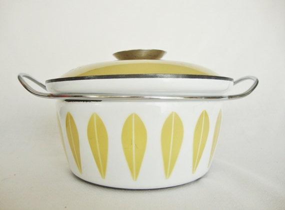 vintage cathrineholm enamel casserole pot
