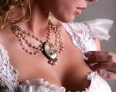 Romantic Cameo Pearl Necklace