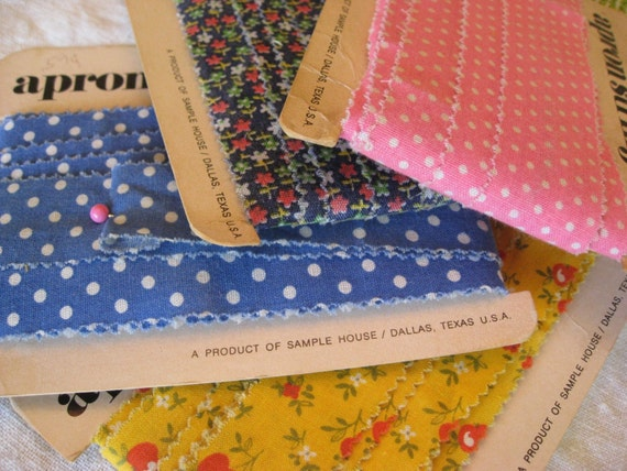 20 Yards Vintage Calico Fabric - Cotton Apron Strings - Strips - Crafting and Scrapbooking