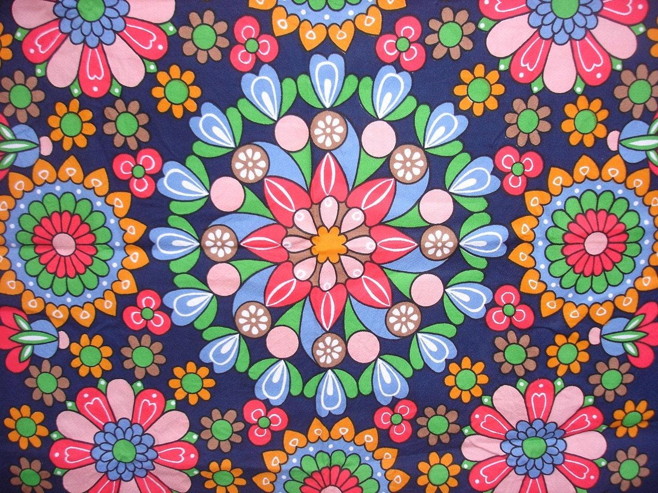 vintage tablecloth floral mandala vintage fabric. Black Bedroom Furniture Sets. Home Design Ideas