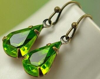 Teardrop Earrings Green Earrings Vintage Jewel Earrings Green Teardrop Earrings Vintage Olivine Green Drop Earrings Dangle Earrings, Sweden