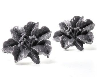 Black Flower Earrings Stud Black Earrings Dark Gray Lily Earrings Stud Post Earrings Lily Flower Spring Earrings, Argentina