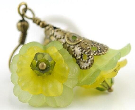 Green Flower Earrings, Nature Jewelry Romantic Flower Jewelry Blooming Flower Earrings Bead Jewelry Beaded Earrings, Mali