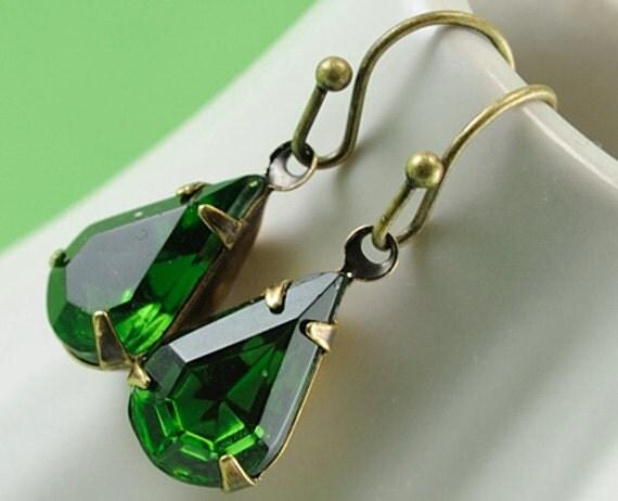 Emerald Earrings - Christmas Jewelry - Christmas Earrings - Vintage Emerald Green Glass Jewel Earrings - May Birthstone - Sweden