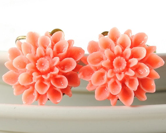 Coral Earrings. Flower Jewelry. Coral Pink Dahlia Flower Earrings. Argentina Earrings in Coral Pink Mum