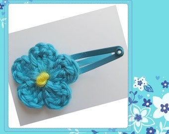 Pattern in PDF -- crocheted baby/toddler flower hairclips -- Haircliper 1