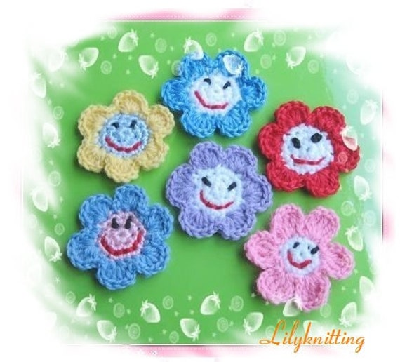 PATTERN in PDF crocheted flower applique -- Smile Face