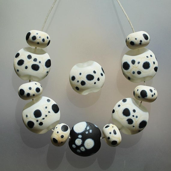 Etched Spots - Handmade Lampwork Beads Set (SRA)