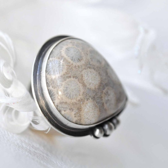 Agatized Coral Ring - Sterling silver - Dots - size 7 - ooak - Fossilized