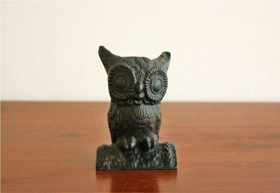 Vintage cast iron owl coin bank