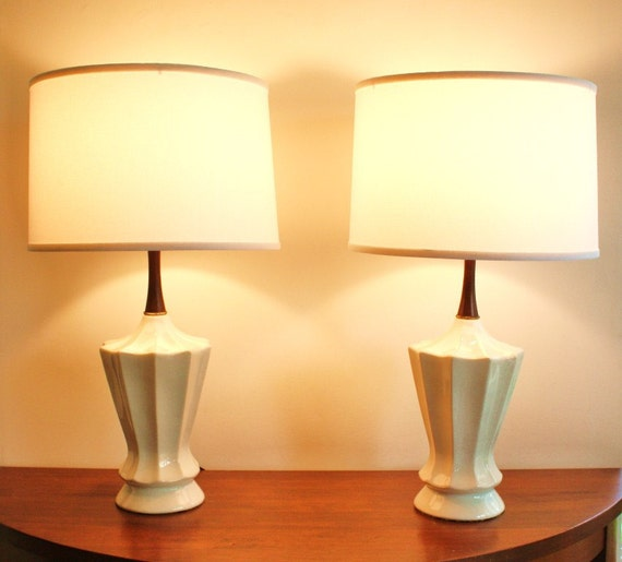 mid century modern table lamp white ceramic with teak. Black Bedroom Furniture Sets. Home Design Ideas