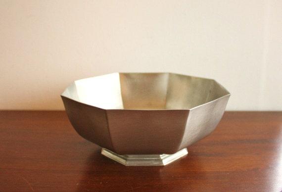 Vintage octogon-shaped pewter footed bowl, Gorham Pewter