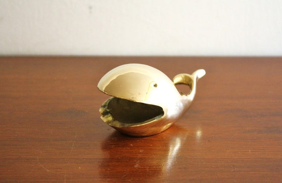 Vintage brass whale dish, ashtray