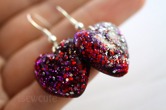 Resin Jewelry Glitter Earrings.... Dangly Hearts Red & Purple Sparkle So Much... by isewcute