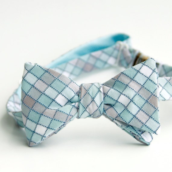 black friday/cyber monday sale-stormy stormy sea freestyle bow tie