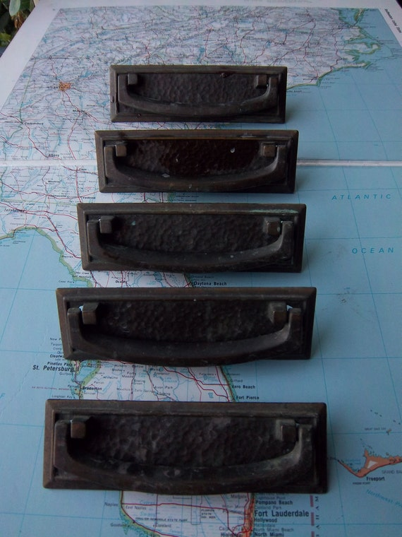 5 mod vintage textured metal rectangle pull handles includes hardware