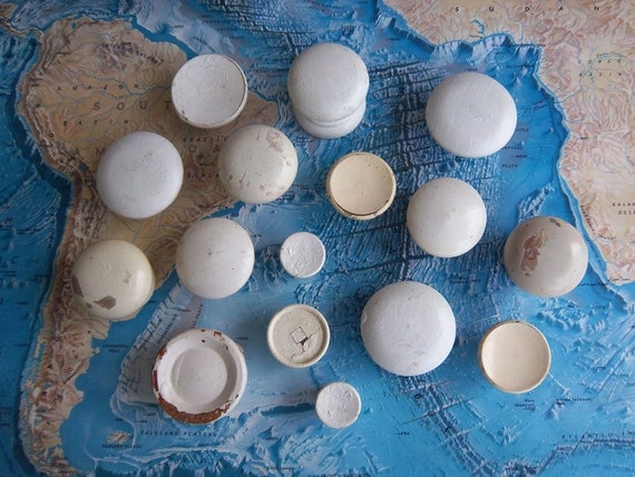 16 piece mixed lot vintage shabby chipped painted white and ivory wood knobs includes hardware for projects and decor