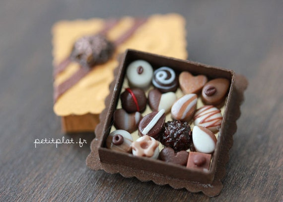 Chocolate Pralines - Sweet Valentine's Day - Dollhouse Miniature in 1/12 Scale