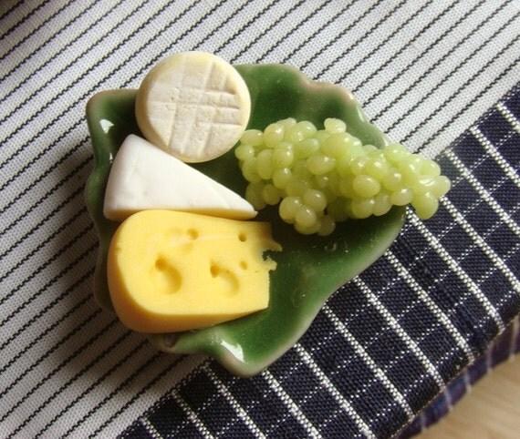 Green of Envy Cheese Plate - 1\/12 m i n i a t u r e