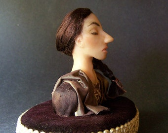 Bust of a Woman - one-of-a-kind miniature art figure / doll by CWPoppets