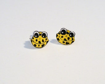 Spotted Yellow froggie face post earrings