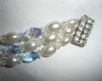 FREE SHIP, Rare Vintage Faceted 'oval' Austrian Blue Crystal, faux oval pearls, 3 strand, wedding, WONDERFUL Rhinestone 'push clasp'