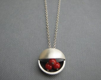 Red Coral Circle Silver Pendant Necklace Deco