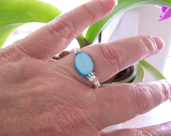 SALE 1/2 off - Tourquoise Shell Scrunchie Ring - Size 7 1/2